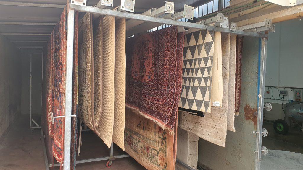 ניקוי שטיחים מקצועי בהרצליה בבית הלקוח או במפעל