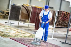 ניקוי שטיחים ניידים במפעל